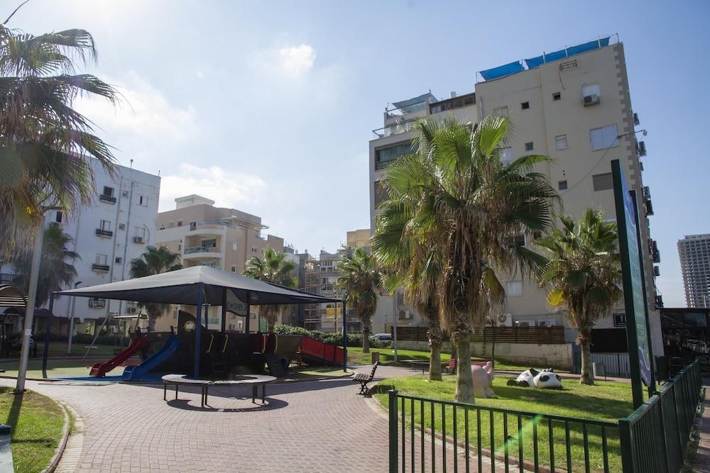Gk Apartment Ben Gurion St.
