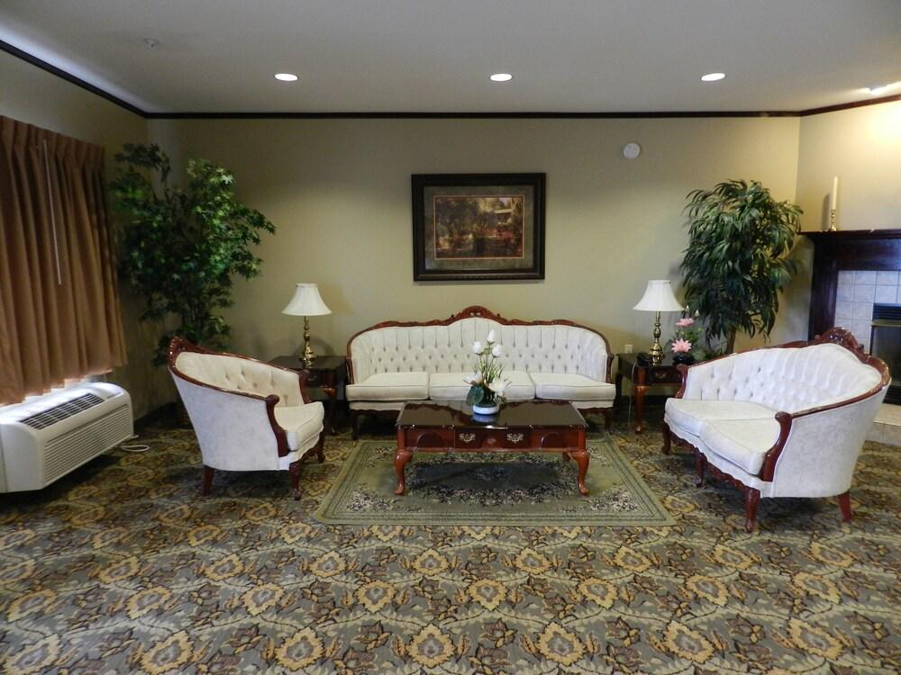 Gallery image of Luxury Inn & Suites Troy
