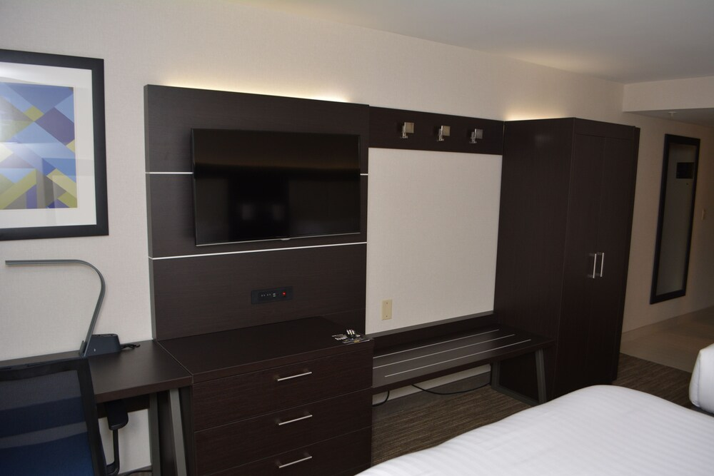 Gallery image of Holiday Inn Express & Suites Waterville North