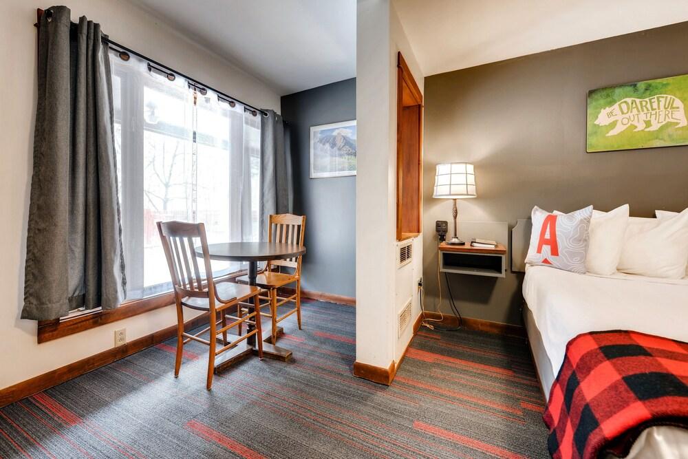 Gallery image of Boulder Adventure Lodge