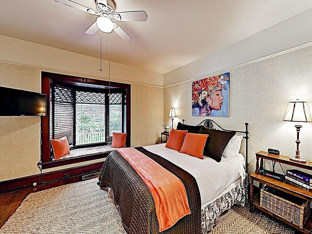 New Listing The Windsor Suite At De La Vina Inn Studio Bedroom Hotel Room