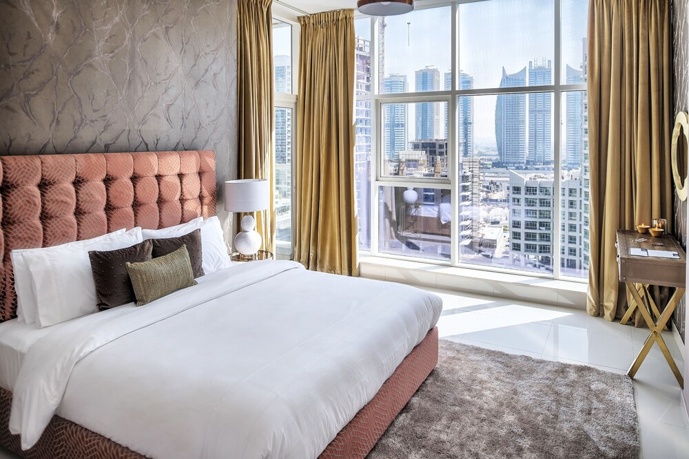 Luxury Staycation Continental Tower