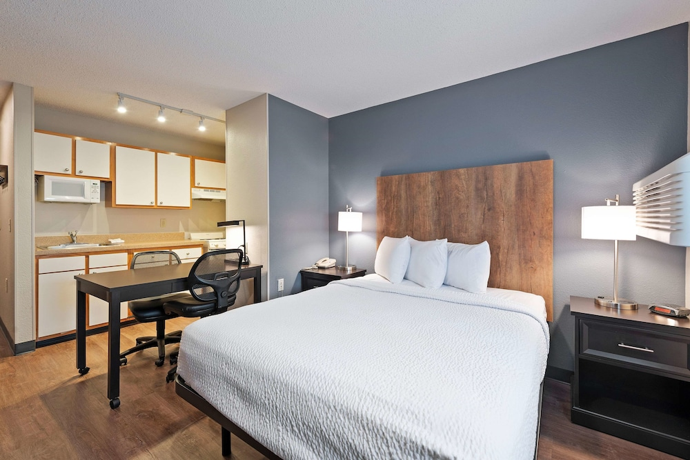 Extended Stay America Charlotte East McCullough Drive