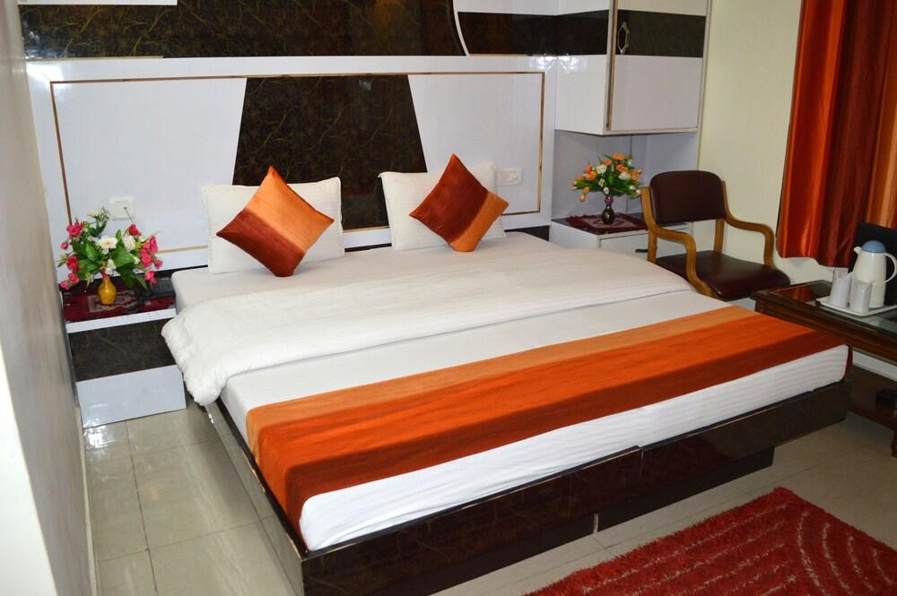 Hotel Su Shree Continental