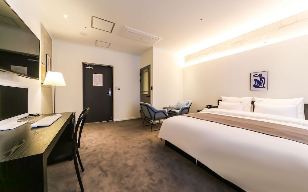 Gallery image of The Point Hotel Myeongji