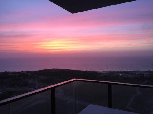 110 Sqm Luxury Apartment On The Sea