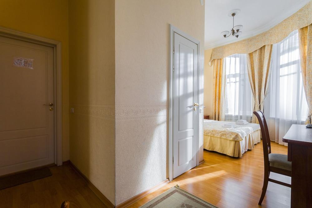 Baskov Guesthouse