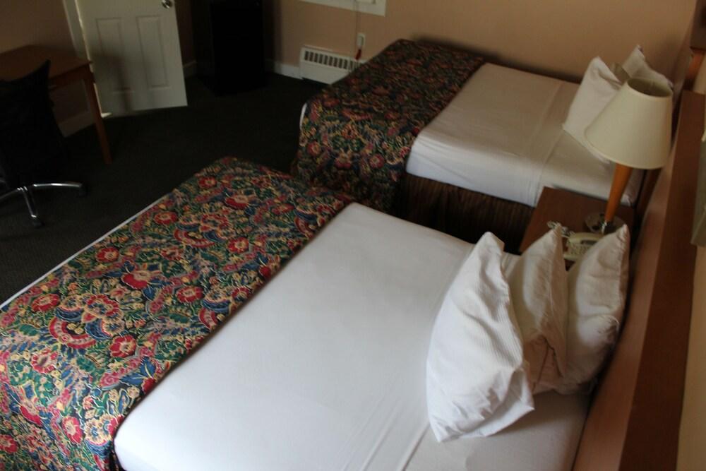Gallery image of Capri Motel