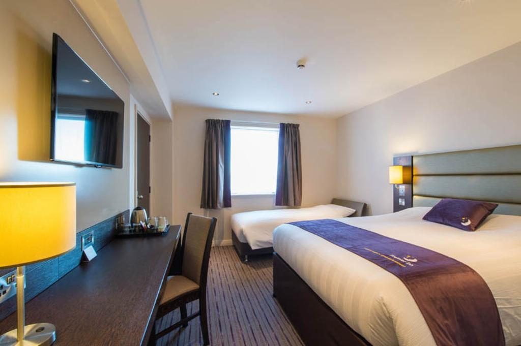 Gallery image of Premier Inn Manchester Trafford Centre South