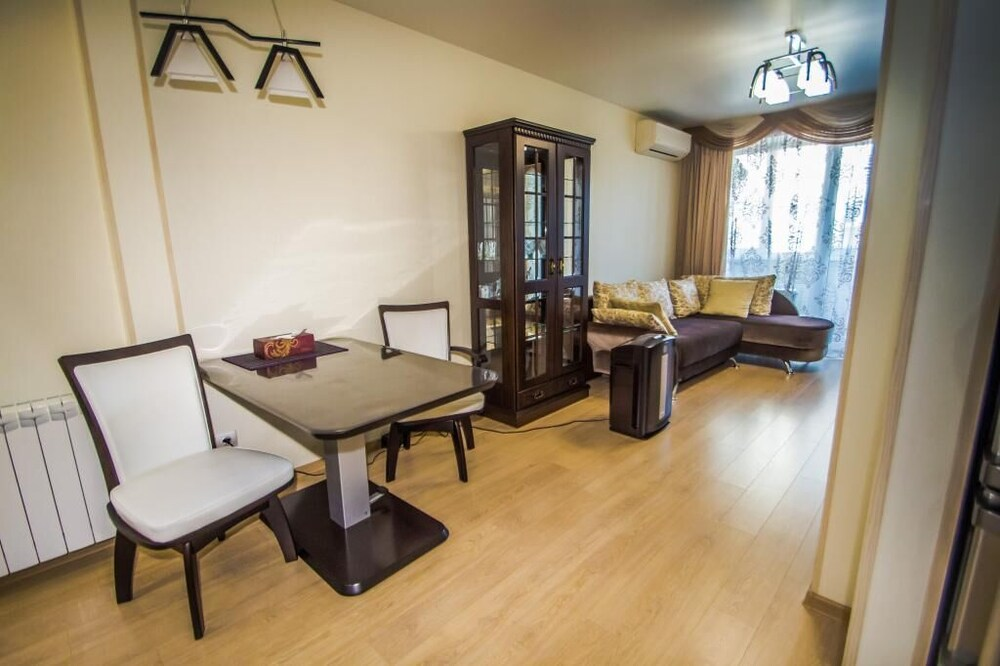 Apartment on Semenovskaya 34