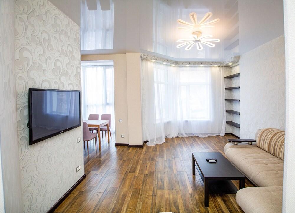 Apartment on Komarova 58 1a