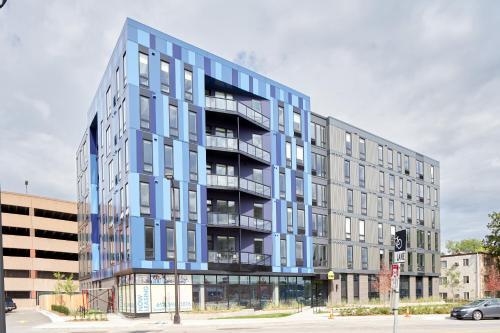 Sonder Luna Apartments