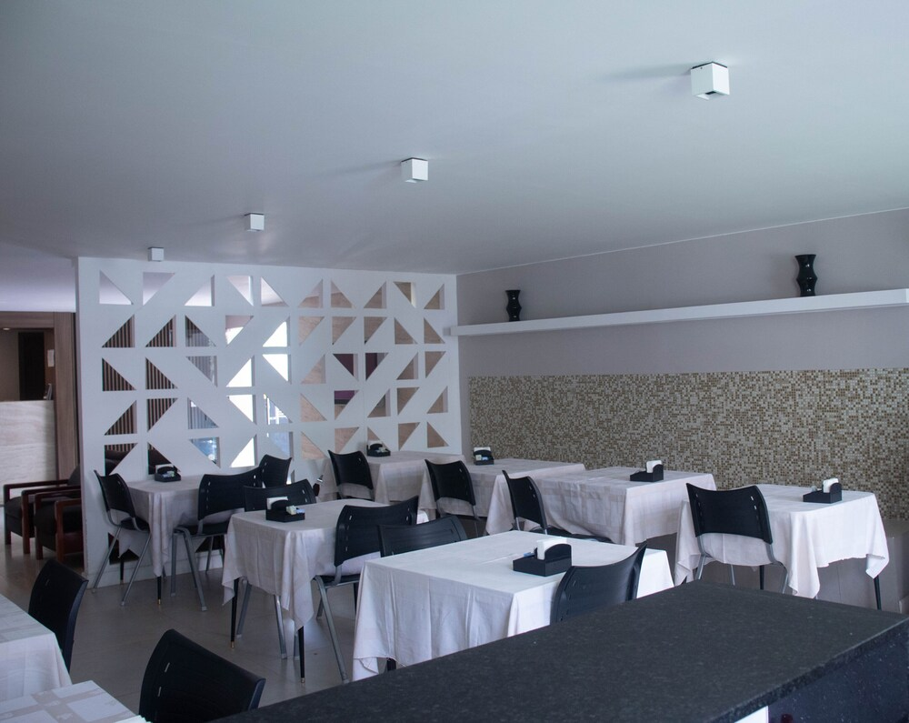 Gallery image of Riviera Hotel