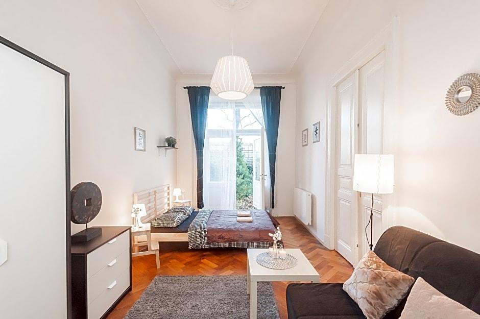 Na Smetance Apartments