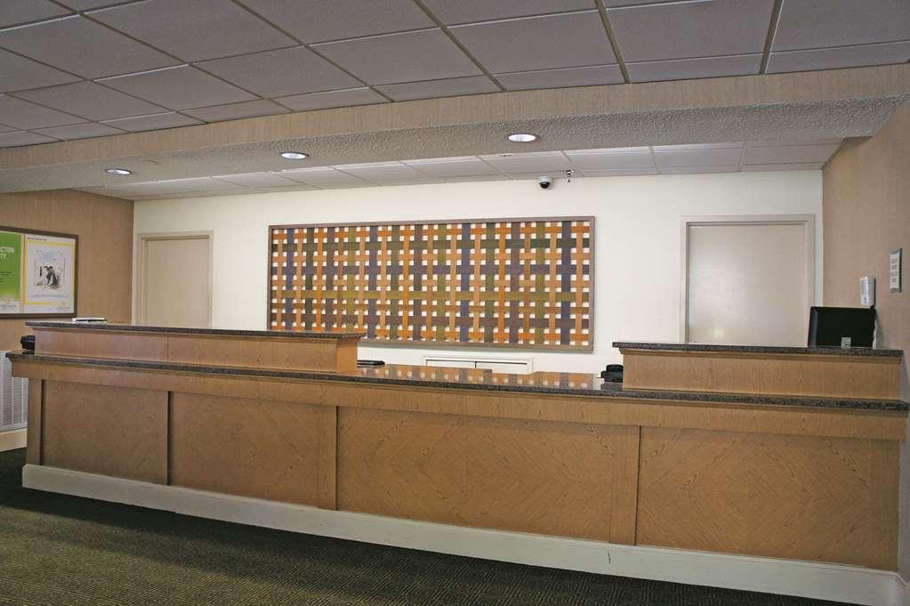 Gallery image of La Quinta Inn & Suites by Wyndham Houston Stafford Sugarland