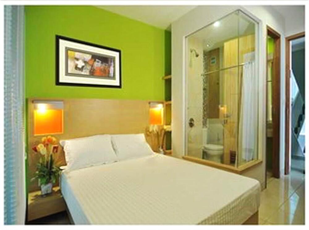 Gallery image of Legreen Suite 2 Pejompongan