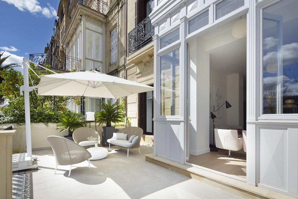 La Dolce Vita Apartment by FeelFree Rentals