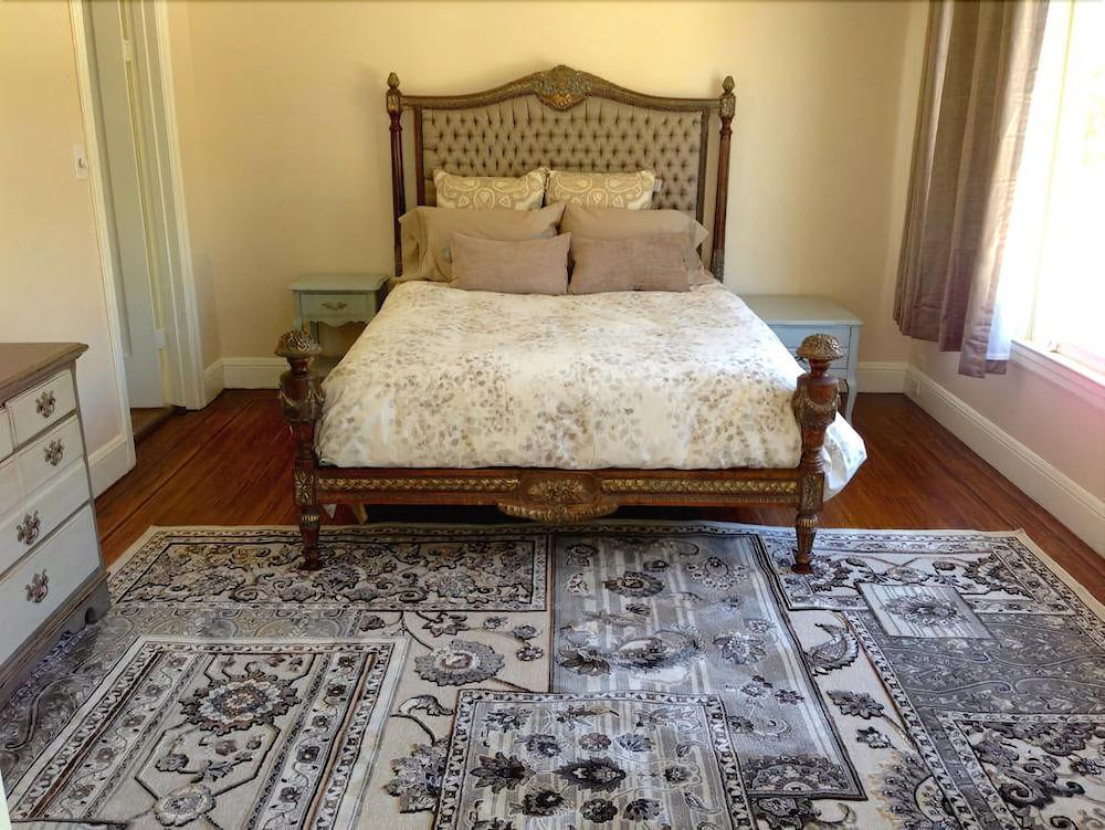 Charming 2 bdrm Dolores Heights Apt