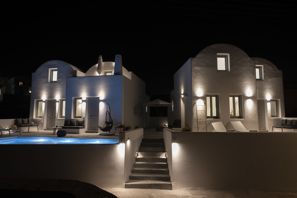 White Orchid Luxury Suites