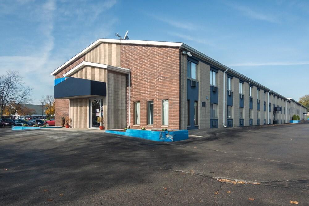 Motel 6 Madison WI East