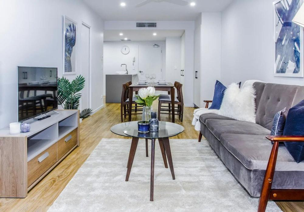 Beautifully Furnished Inner city Pad