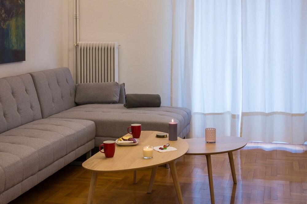 Gemini Wonderful apartment in Kolonaki