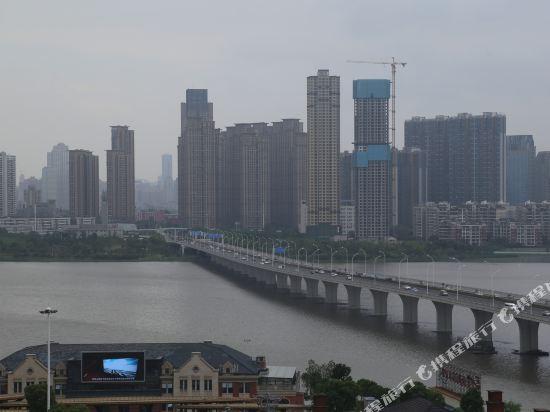 Yixianggang Theme Hotel