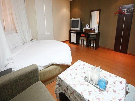 Gallery image of White Castle Resort