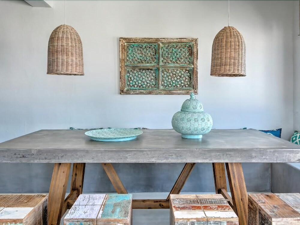 Gallery image of Papadakis