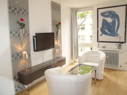 Business Meets Dusseldorf Apartments
