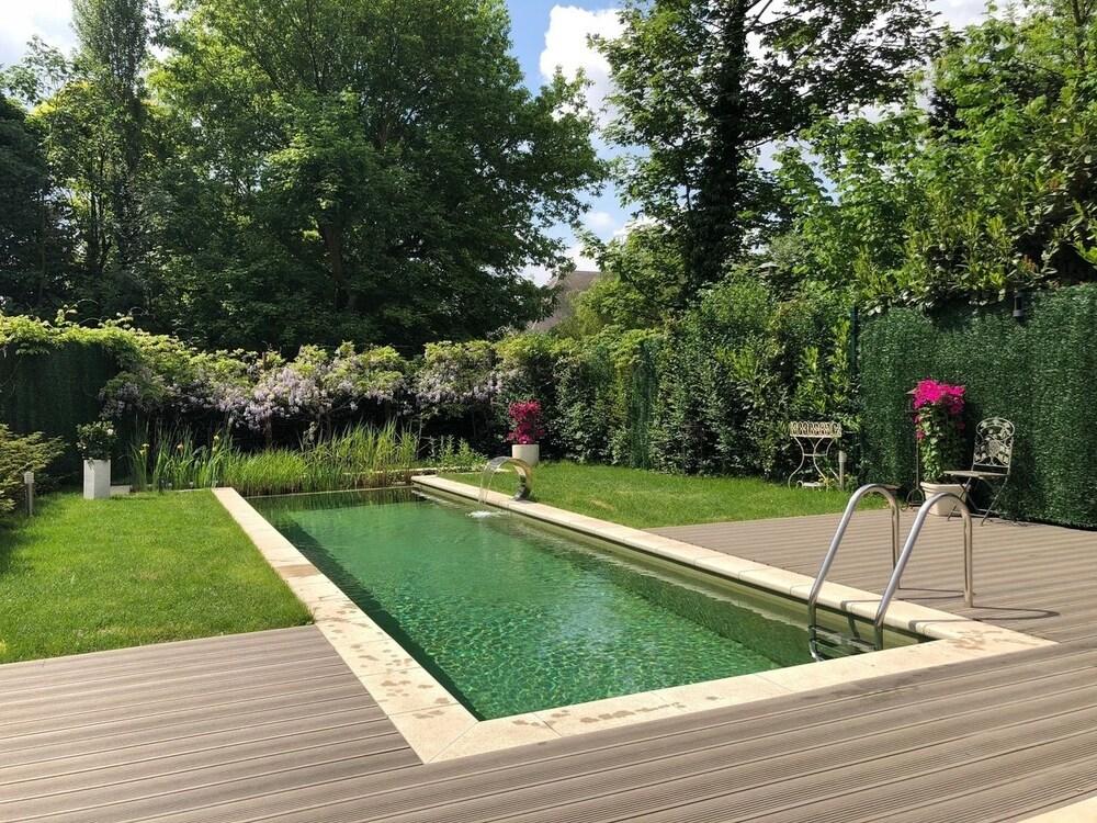 Exclusive Flats Studio Swimming pool