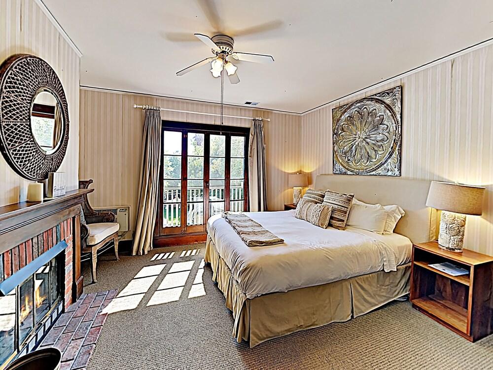 New Listing The Victoria Suite At De La Vina Inn Studio Bedroom Hotel Room