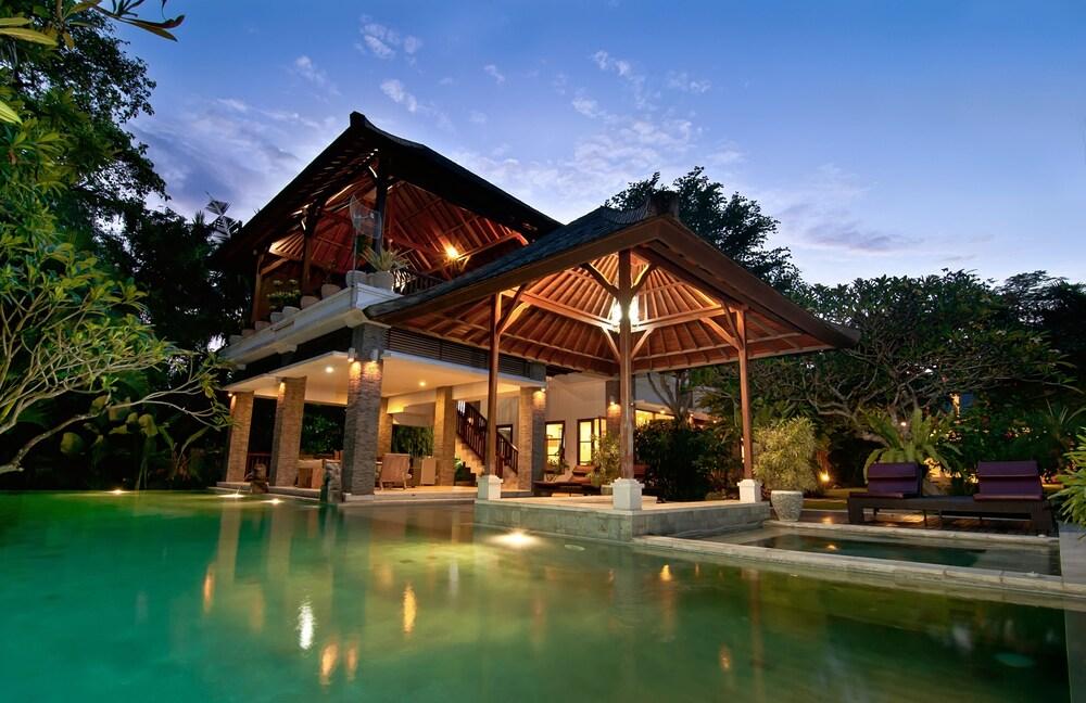 Villa Double N Estate