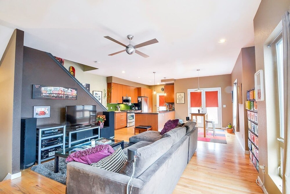 Modern Marvel Luxurious 3BR House in DT Denver
