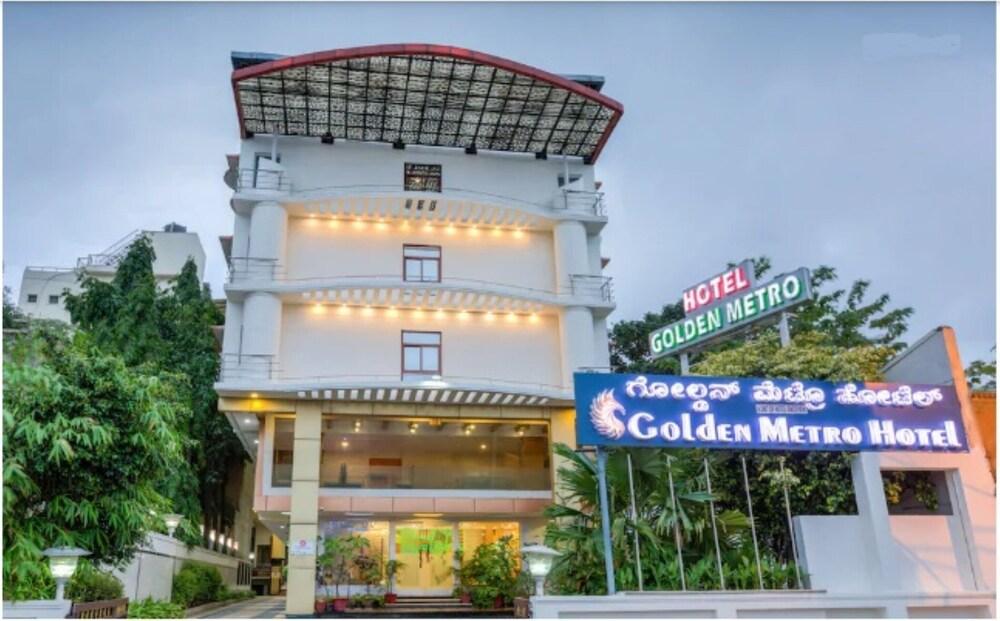 Golden Metro Hotel