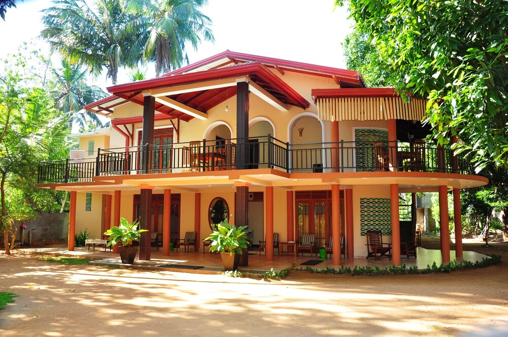 Leopard City Hostel