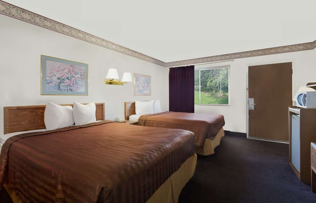 Gallery image of Travelodge by Wyndham Page