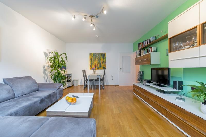 ID 4243 Private Apartment