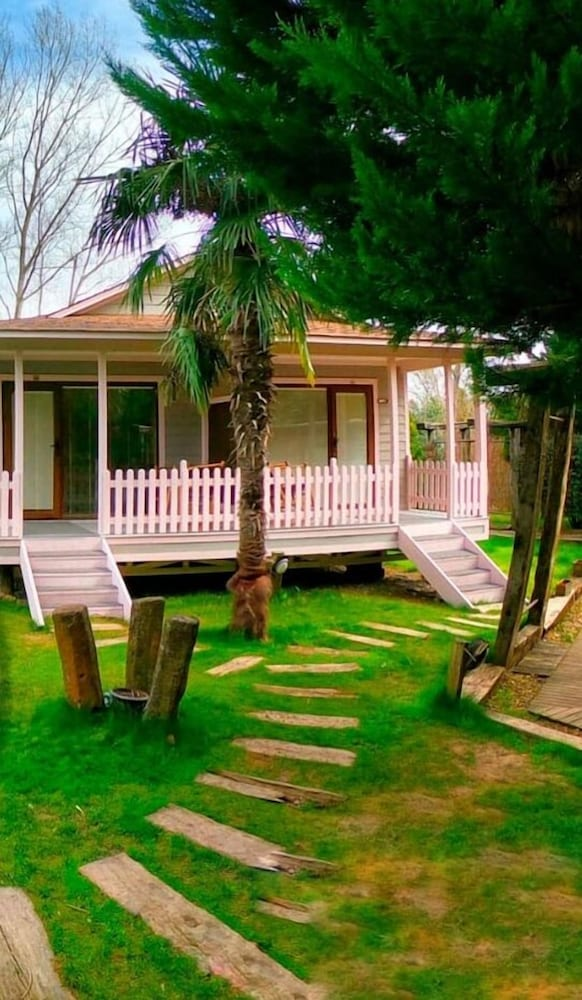 Village Park Resort and Spa Otel