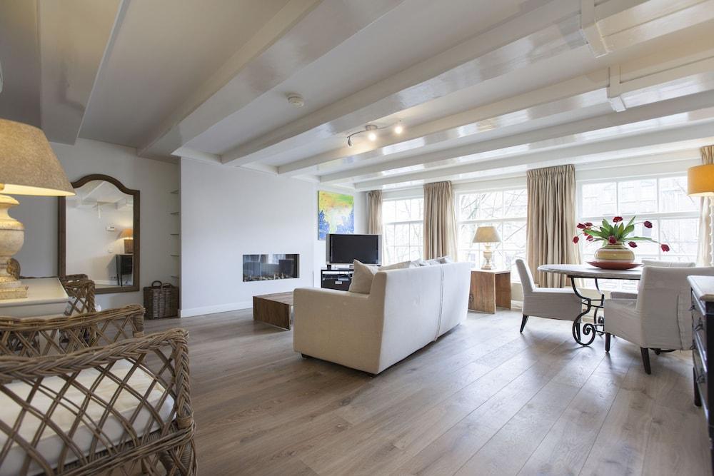 Lex Apartments