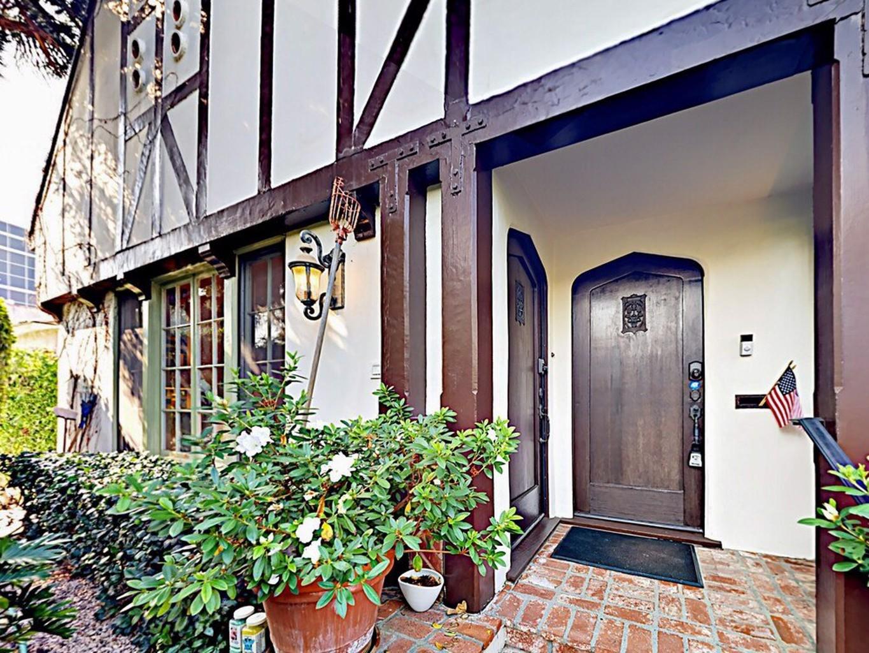 Elegant Tudor style Duplex 2 Br Duplex