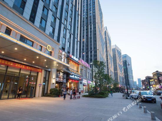 Imax Hotels
