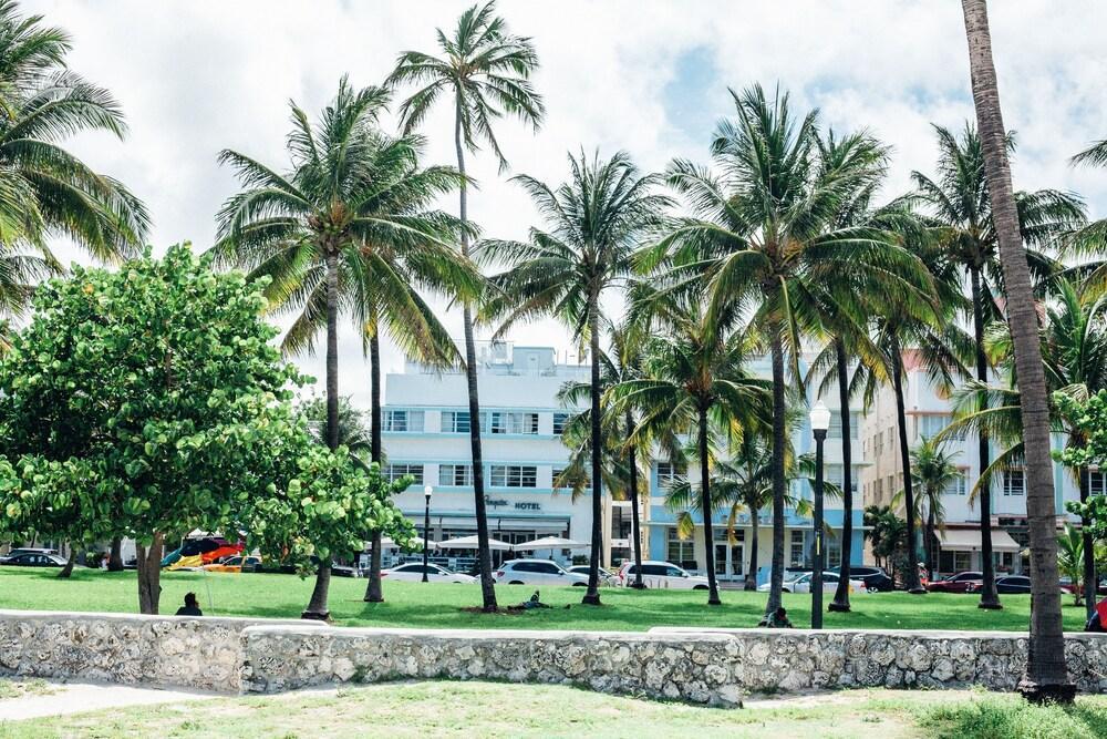 Gallery image of Hi Miami Beach Hostel