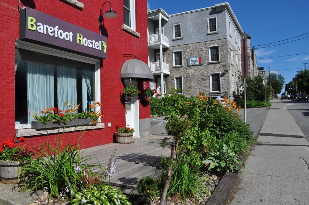 Barefoot Hostel Caters to Women