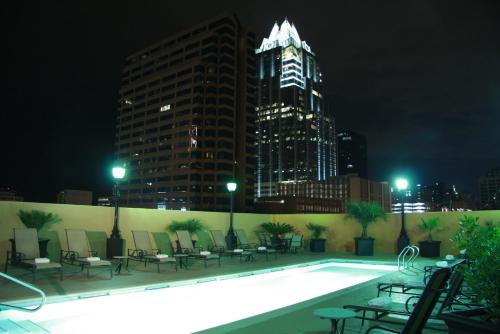 Hampton Inn & Suites Austin Downtown Convention Center