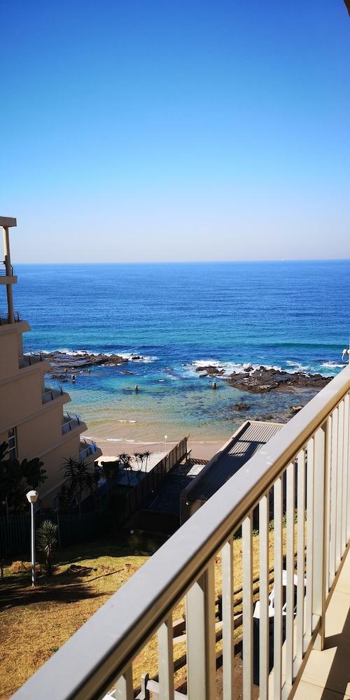 Camarque Beach Resort