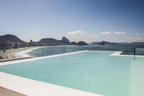ilive027 3 bedroom Penthouse Copacabana SEA VIEW
