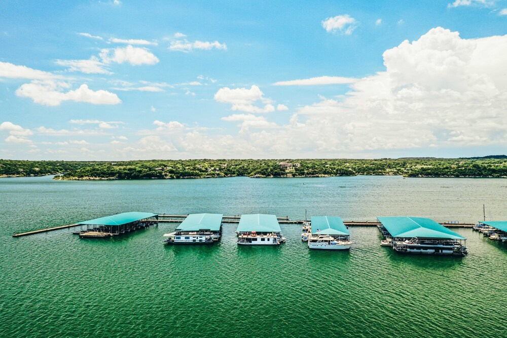Airstream Houseboat With Amazing Lake Travis View 2 Bedroom Home