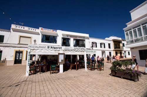Gallery image of Hostal Restaurant s'Algaret