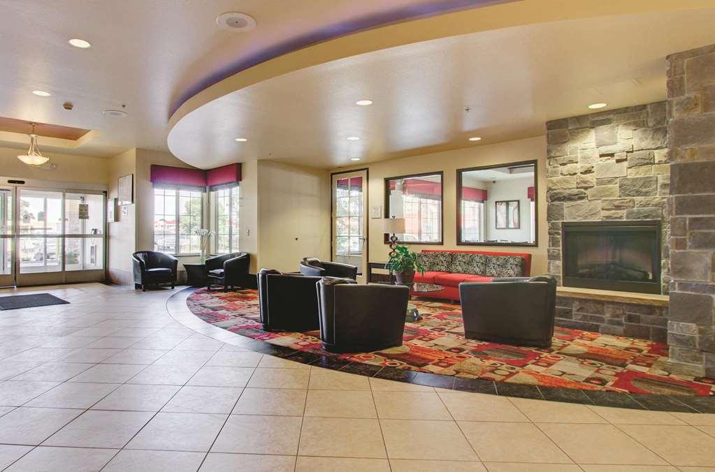 Gallery image of La Quinta Inn & Suites by Wyndham Denver Gateway Park